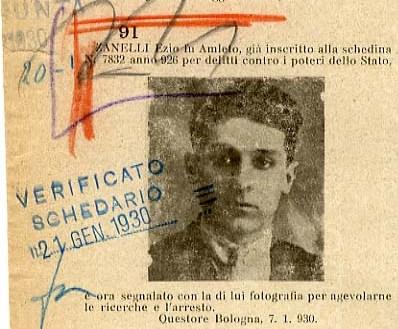 Ezio  Zanelli in un bollettino di ricerche del regime (particolare)