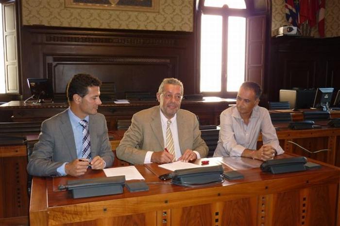 Firmato l'accordo tra Eni e Comune