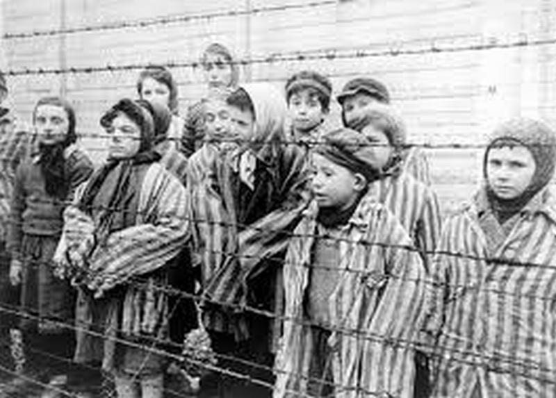 """""""Giorno della memoria"""", le prime iniziative per ricordare l'orrore dell'Olocausto"""