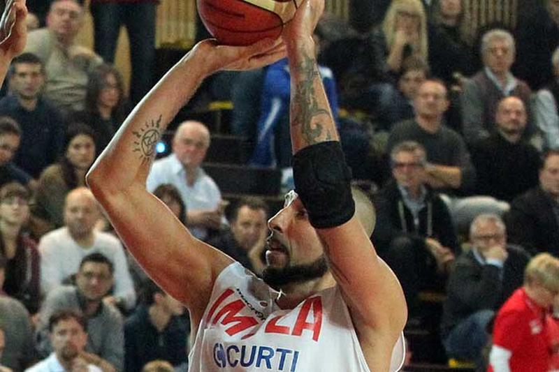 Con un grande Bell l'Andrea Costa batte la capolista Trieste