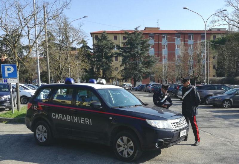 Controlli dei carabinieri, reati contro il patrimonio e tre fogli di via all'ospedale