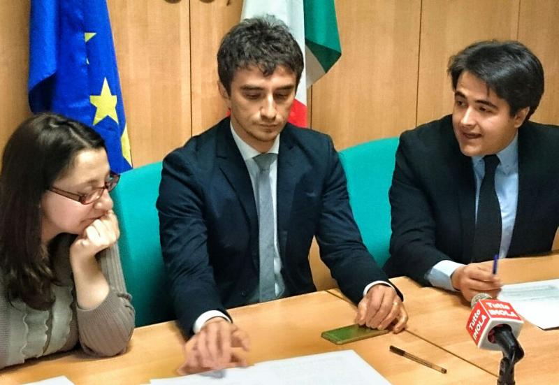 Bignami (Forza Italia) onorevole e consigliere regionale, si discute sull'incompatibilità