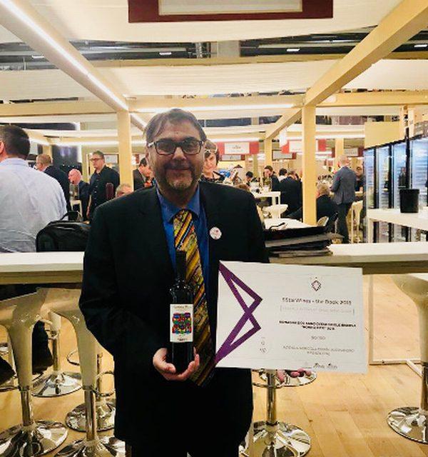 """Vinitaly 2018 premia i Poderi Morini con il """"5star wines"""""""