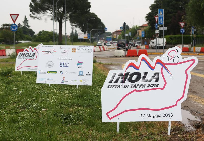 """""""Imola si colora di rosa"""" il 12 maggio in piazza Matteotti aspettando il Giro"""