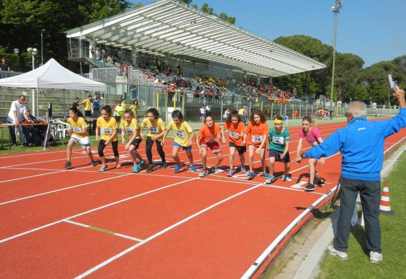 """Giochi sportivi studenteschi, le scuole Orsini vincono il premio """"Dado"""""""