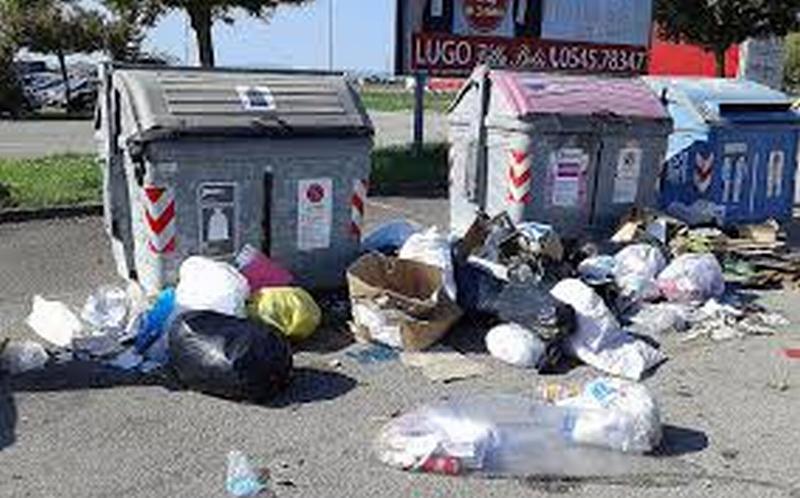 Spostati da via Orsini a via Cavour i cassonetti per la raccolta rifiuti in centro