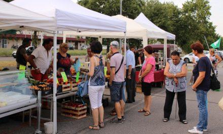 Il mercatino dei produttori agricoli, promosso dalla Cia di Imola, si fa in tre