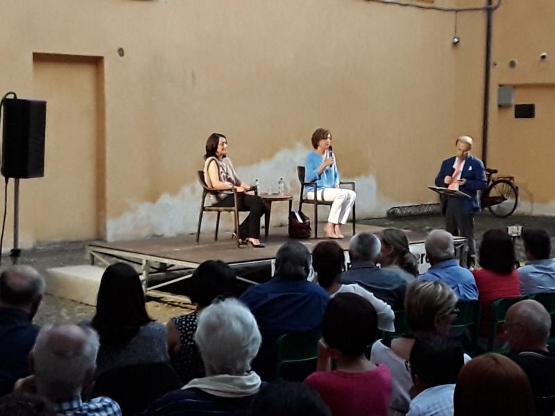 Candidate al ballottaggio, sale la tensione nel dibattito a palazzo Monsignani