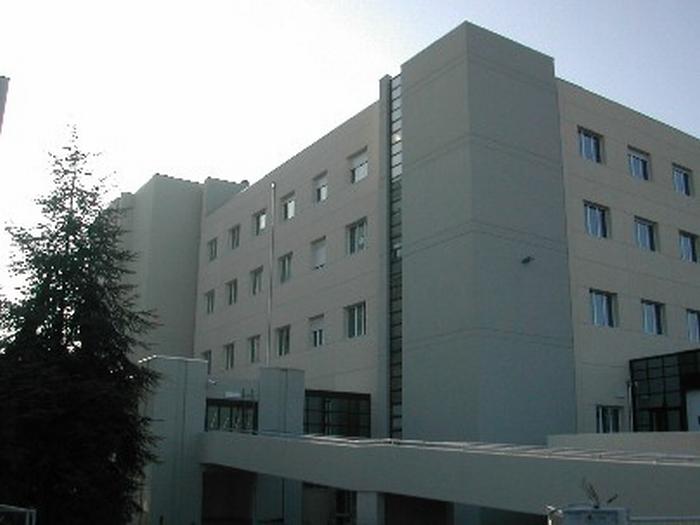 Ospedale, reparto di Medicina al collasso