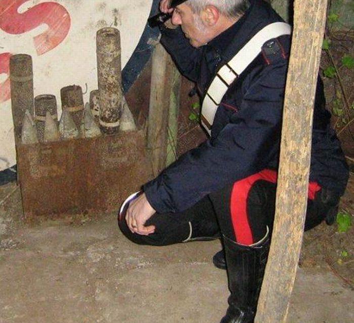 Munizioni dell'ultima guerra trovate in un capanno