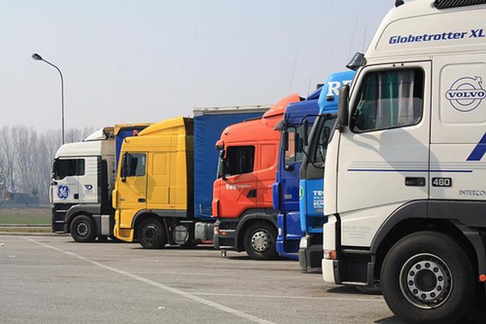 Autotrasporti: sospeso il fermo di 60 giorni