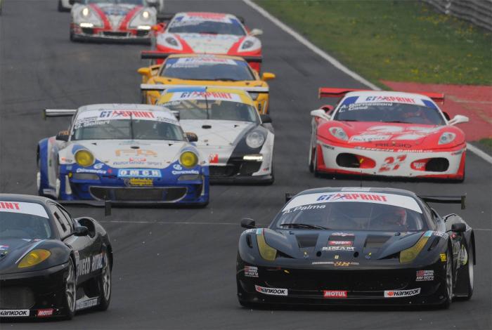 Autodromo: in scena la Gtsprint e il Ferrari challenge