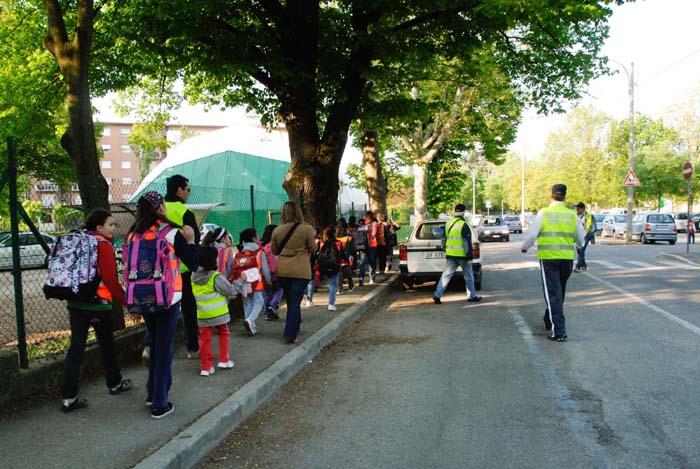"""Al via il """"Pedibus"""" anche alle scuole Rodari"""