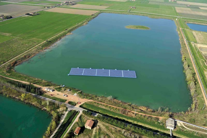 Un impianto fotovoltaico galleggiante