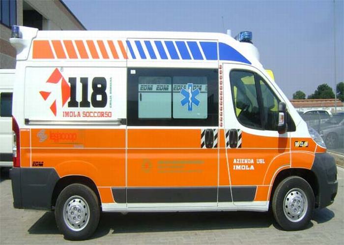 Legacoop ha donato un'ambulanza all'Azienda Usl