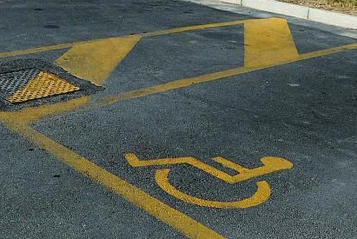 Disabili: nuovi contrassegni per il parcheggio