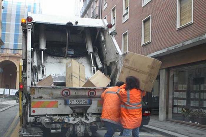 """""""Sulle tracce dei rifiuti"""""""