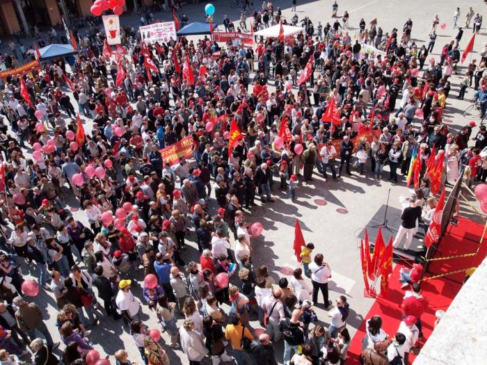 Piazze piene per lo sciopero della Cgil