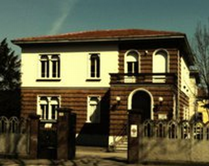 """La scuola """"Vassura-Baroncini"""" nel caos"""