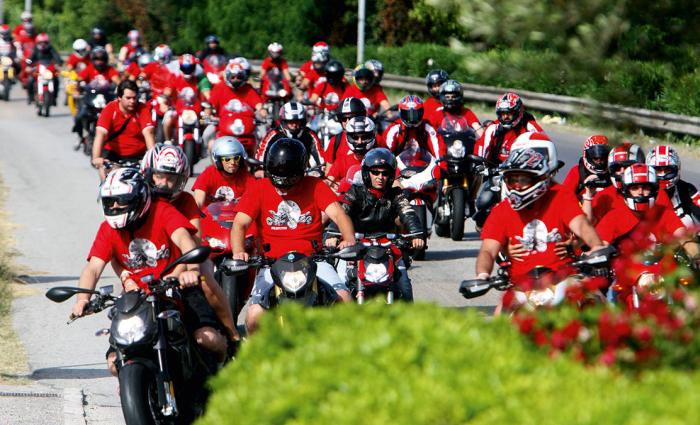 Passione in moto: conto alla rovescia a Imola per l'appuntamento Ducati