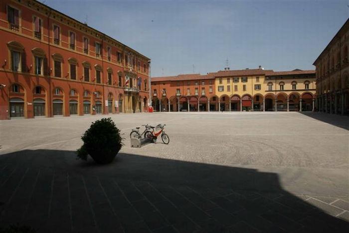 Vota l'opera d'arte per piazza Matteotti