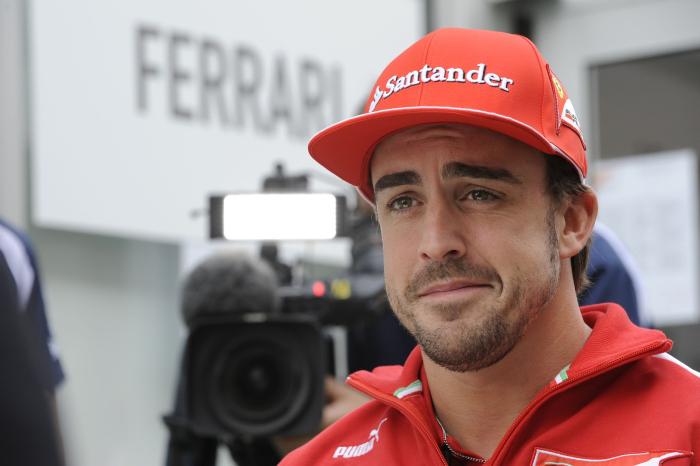 Alonso all'autodromo per Ayrton Senna
