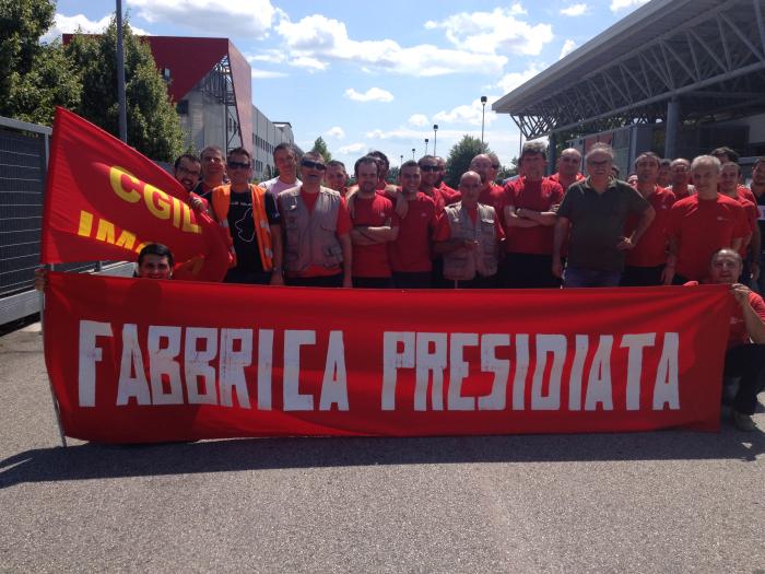 I lavoratori dell'Arcese in sciopero