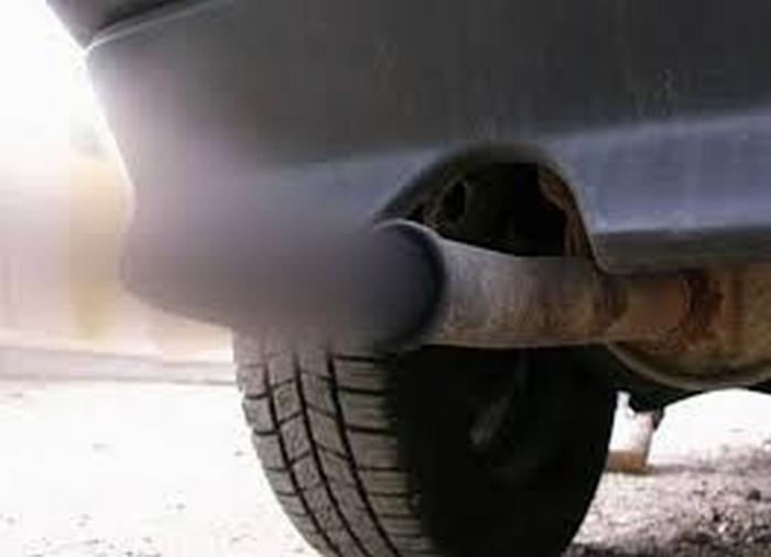 Inquinamento: limiti alla circolazione di auto e moto