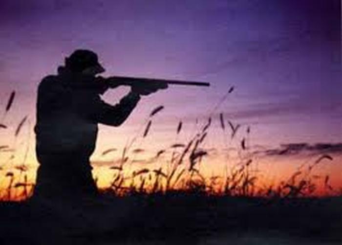 Un cacciatore ferisce mortalmente un altro