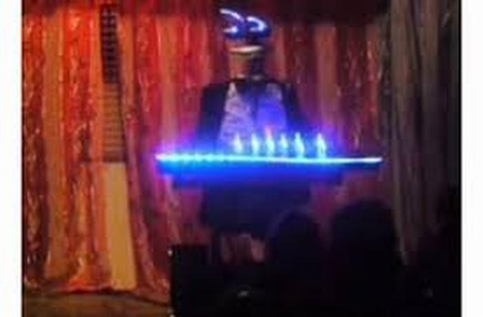 Kea, il robot imolese che debutta su X-Factor