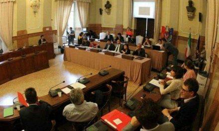 Bilancio, polemica sugli emendamenti fra M5s e Pd