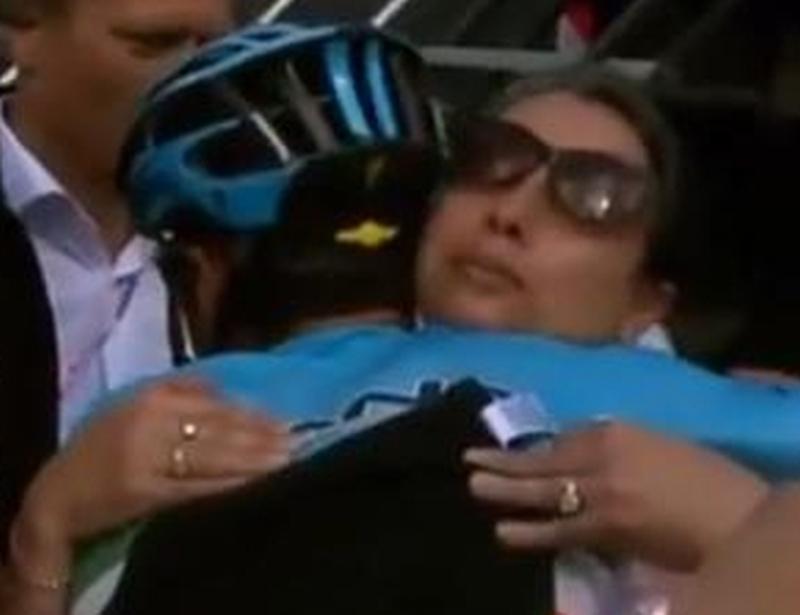 Nibali e la mamma di Chaves