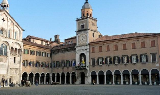Modena contro l'emergenza abitativa mette a disposizione gli alloggi di via Forghieri