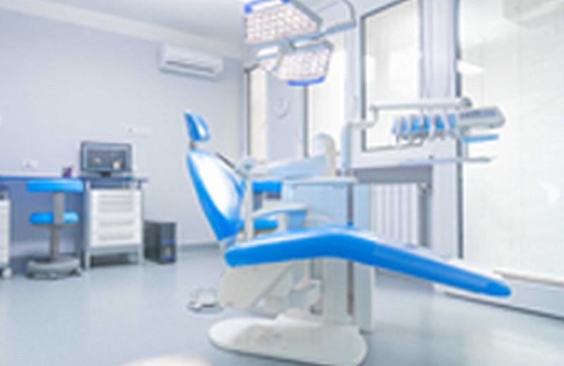 Turismo dentale: aumenta chi risparmia (e rischia) all'estero