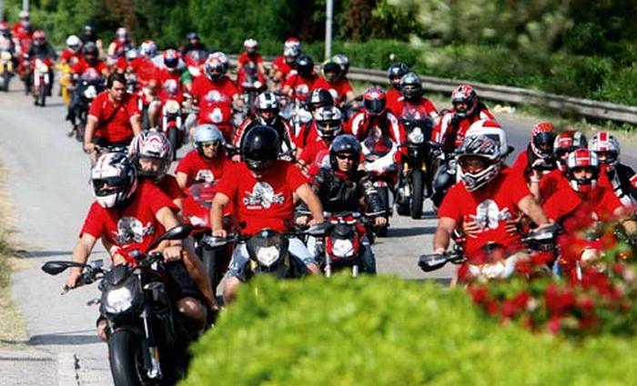 Passione in moto nelle terre di Bologna