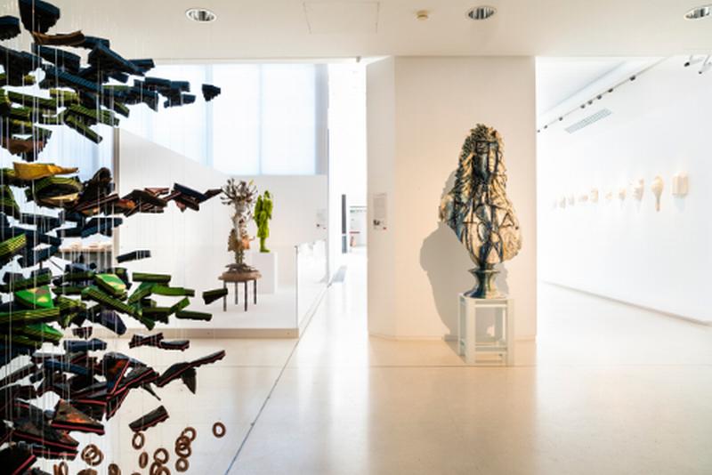 "Arte ceramica e nuovi linguaggi: apre la mostra ""Ceramics now"""