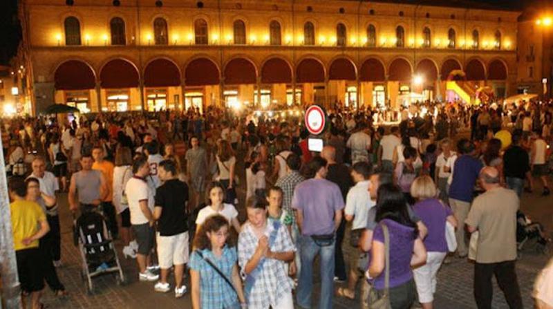 """Torna il 4 luglio """"Imola di mercoledì"""" per riempire il centro storico di gente"""