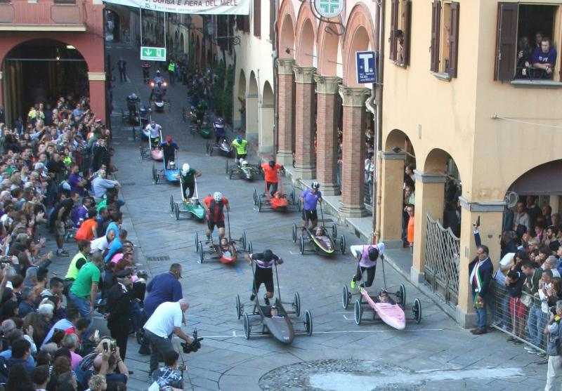 Festa del Borgo con i team Carrera e i negozi aperti