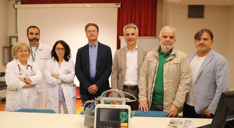 La Bcc ravennate dona all'Ausl un monitor defibrillatore di ultima generazione