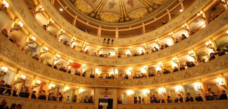 Record di abbonati alla stagione di prosa del teatro Stignani