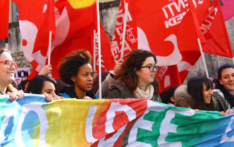 Studenti e Cgil in piazza contro i tagli all'istruzione del governo Conte