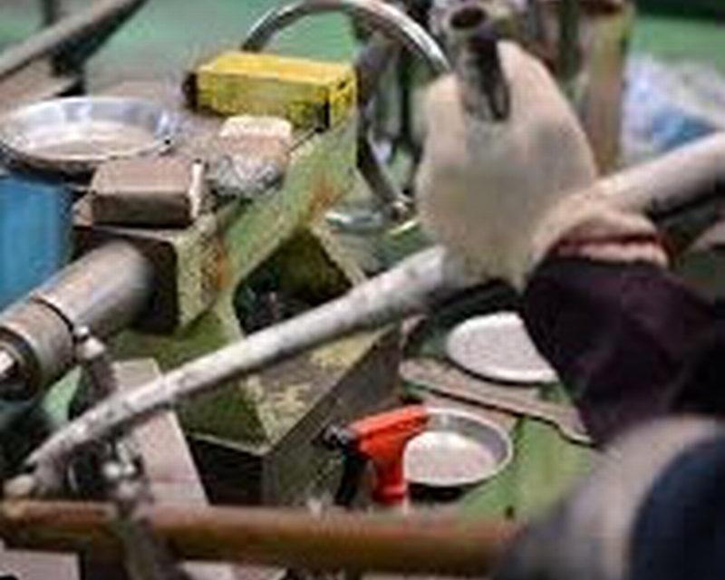 Il manifatturiero italiano rallenta, prima battuta d'arresto in due anni