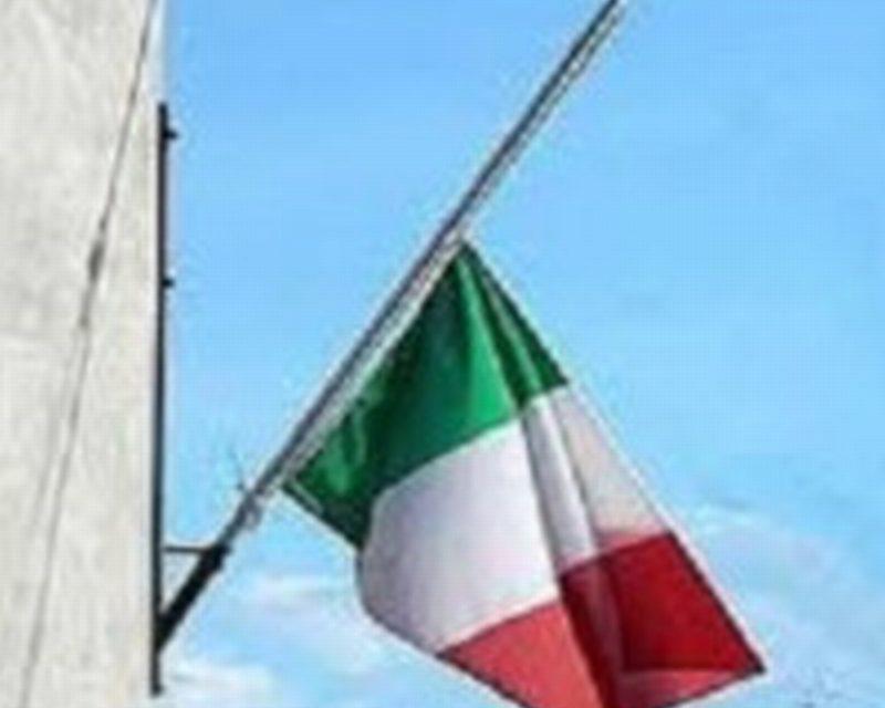 Faenza: bandiere a mezz'asta per ricordare le donne vittime di violenza
