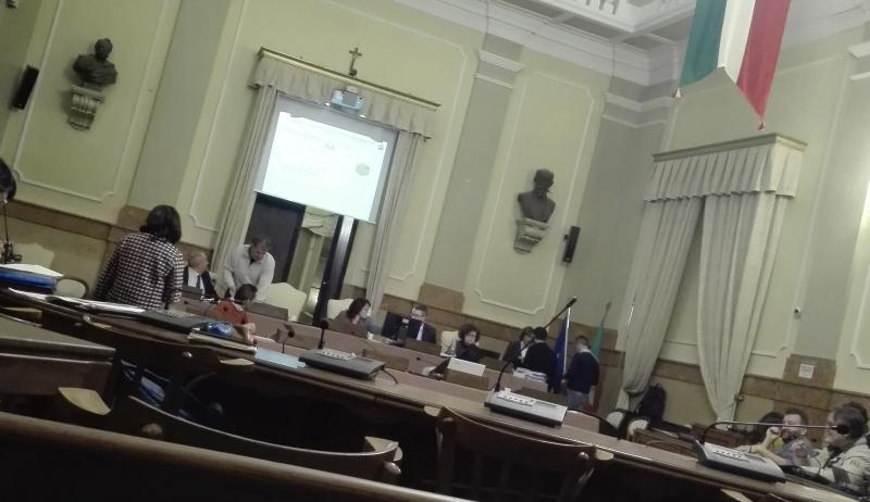 Le dimissioni di Roi passano in Consiglio fra polemicucce e molti silenzi