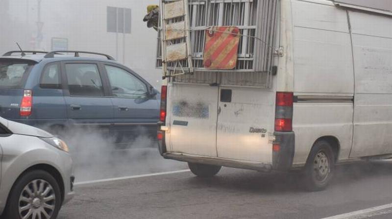 Troppo smog, 4 giorni senza auto diesel euro 4 e riscaldamento più basso