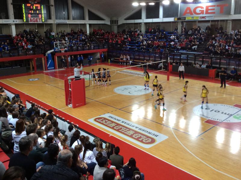 Torneo di volley di inizio anno con 600 giovani nelle palestre della città