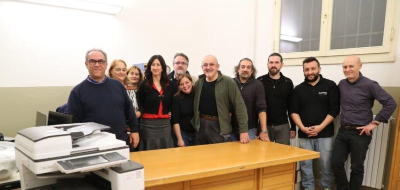 I consiglieri M5s fanno il trasloco gratuito della segreteria delle scuole Carducci