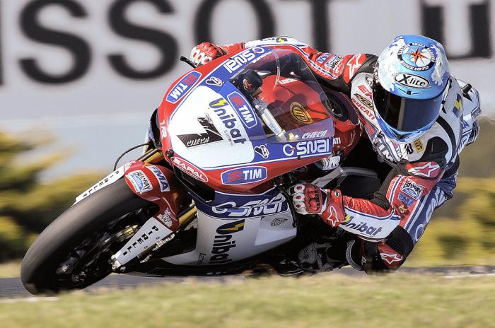 Superbike: doppio trionfo per Carlos Checa