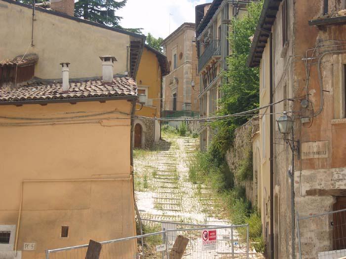 L'Aquila: cittadini indagati