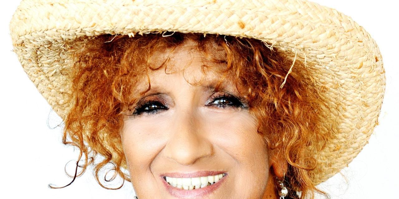 """Al comunale di Conselice in scena Anna Mazzamauro con """"Nuda e cruda"""""""